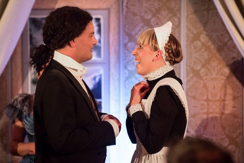 Dr. Jekyll & Mr. Hyde - Dr. Jekyll und das Hausmädchen Mary Foto Alexa Sommer-004