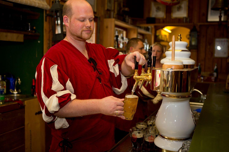 web-gasterey-ka%cc%8ahl-gezapftes-bier-012
